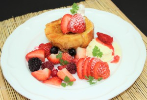 苺とベリーのフレンチトースト
