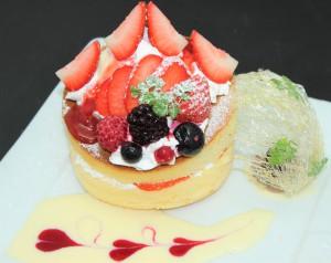 苺サンドパンケーキ