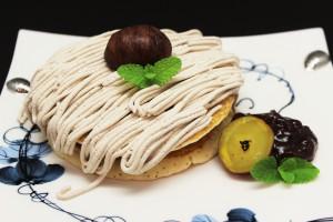 ソフトクリームサンド モンブラン風パンケーキ